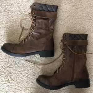 Dark brown leather winter/moto boots. Size 9.5